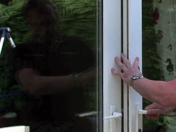 Come-riparare-una-finestra-rotta